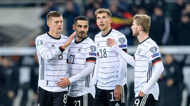 Ilkay Gündogan (2.v.l.) sieht das deutsche Team für die EM gerüstet