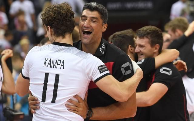 Andrea Giani und sein Kapitän Lukas Kampa