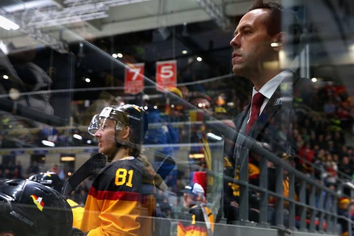 Ende einer Erfolgsstory: Bundestrainer Marco Sturm steigt vorzeitig beim Deutschen Eishockey-Bund aus. Der 40-Jährige ist jetzt Assistenzcoach beim NHL-Team Los Angeles Kings, für die Kings war er auch in seiner Karriere als Spieler aktiv war. Es ist die große Chance, sich als Coach in der besten Liga der Welt zu etablieren