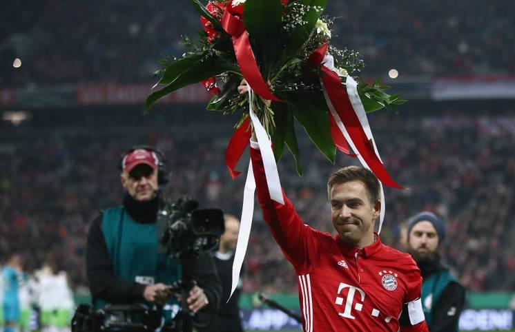 Er war Weltmeister-Kapitän und langejähriger Erfolgsgarant des FC Bayern. SPORT1 blickt in Bildern auf Philipp Lahms eindrucksvolle Karriere zurück