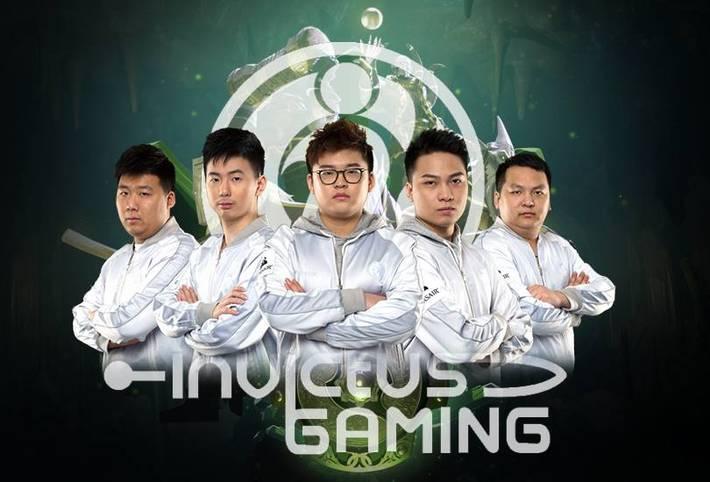 """INVICTUS GAMING: Das Team belegte beim letzten TI den 5.-6. Platz und gewannen immerhin mehr als 1 Mio US-Dollar. Dieses Jahr qualifizierten sie sich über den China Qualifier, wo sie den zweiten Platz erreichten. Zum Roster gehören: Sun """"Aggressif"""" Zheng, Lin """"Xxs"""" Jing, Sun """"Srf"""" Runfa, Ye """"BoBoKa"""" Zhiniao, und Fu """"Q"""" Bin"""