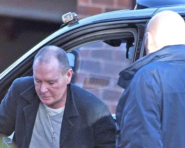 Die Hiobsbotschaften um den ehemaligen Fußball-Star Paul Gascoigne reißen nicht ab. Vor seinem alkoholbedingten Zusammenbruch soll er am 4. Juli auf einem Londoner Bahnhof Ex-Frau Sheryl und einen Sicherheitsbeamten attackiert haben. Jetzt wird der 46-Jährige wegen Körperverletzung und ungebührlichen Benehmens in betrunkenem Zustand angeklagt. Im schlimmsten Fall droht eine Gefängnisstrafe
