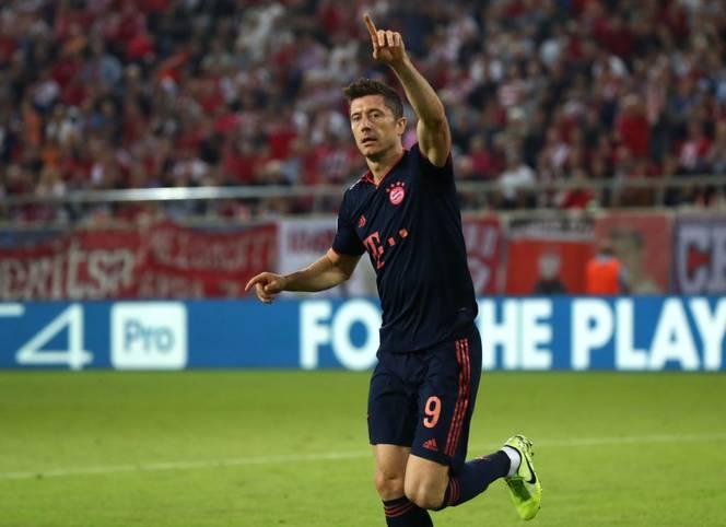 Robert Lewandowski netzt bei Bayerns Gastspiel in Piräus doppelt und baut seine unglaubliche Serie auf jetzt 12 Spiele in Folge mit mindestens einem Tor aus
