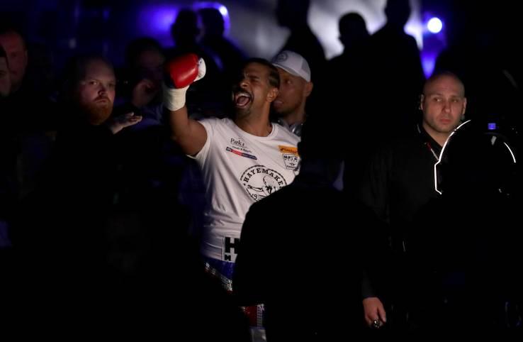 Vor dem Kampf zeigt sich David Haye beim Einlauf in die O2 Arena in London siegessicher. Gewohnt selbstbewusst präsentiert er sich den englischen Box-Fans