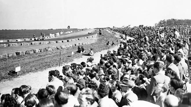 120.000 Zuschauer säumten 1950 die Rennstrecke in Silverstone