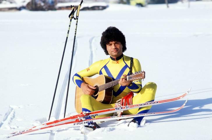 Die Nordische Ski-WM hat mit der Eröffnungsfeier am Mittwoch begonnen. Mehrere Promis versuchten sich bereits in der Loipe oder auf der Piste. SPORT1 zeigt Promis und ihre Sportversuche