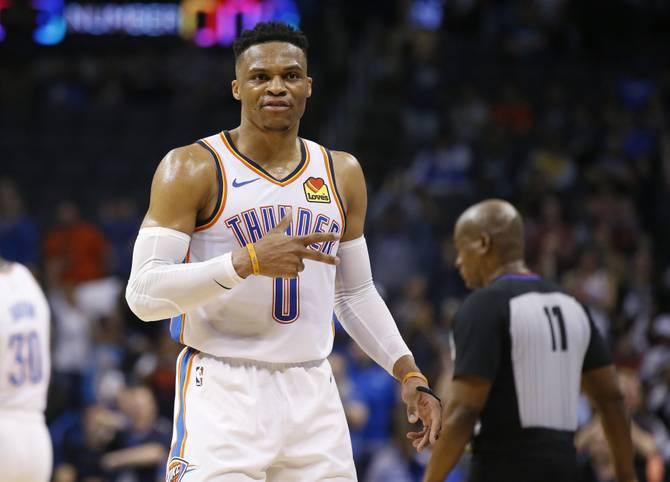 Was für ein Spiel! Russell Westbrook schreibt mit dem erst zweiten 20/20/20-Spiel der NBA-Historie erneut Geschichte. Der Point Guard der Oklahoma City Thunder widmet seine Leistung der Extraklasse dem erschossenen Rapper Nipsey Hussle