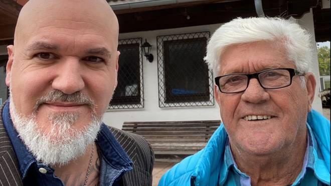 SPORT1-Reporter Reinhard Franke (l.) traf sich in Waging am See mit Werner Lorant