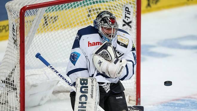 Timo Pielmeier hielt die Ingolstädter mehrfach im Spiel und war auch im Penaltyschießen der X-Faktor
