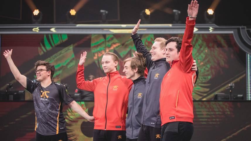 Platz 8 - Fnatic: Die Europäer um Publikumsliebling Rekkles schrieben mit ihrem Comeback in Gruppe B Geschichte. Nach 4 Niederlagen in den ersten 4 Matches schaffte es Fnatic noch ins Viertelfinale, wird dort aber gegen Royal Never Give Up nur geringe Chancen haben