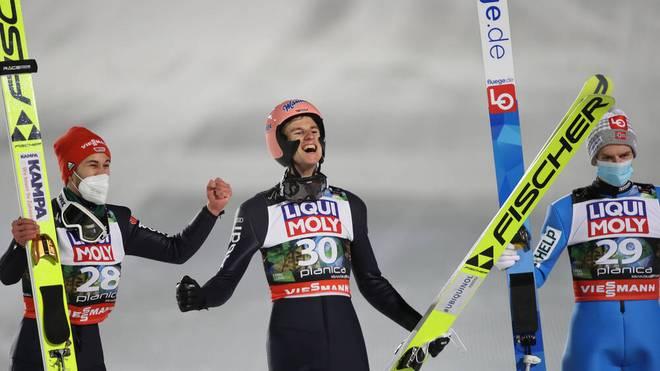 Halvor Egner Granerud (r.) wurde zum tragischen Helden der Skiflug-WM
