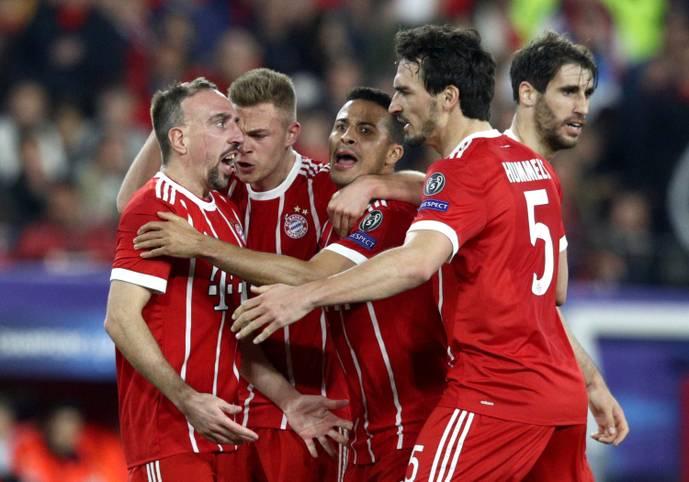 Der FC Bayern hat nach einem 2:1-Auswärtssieg beim FC Sevilla gute Chancen zum sechsten Mal in den vergangen sieben Jahren das Halbfinale in der Champions League zu erreichen