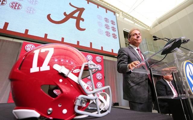 Nick Saban trainiert Alabama seit der Saison 2007