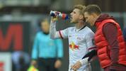 PADERBORN, GERMANY - NOVEMBER 30: Head coach Julian Nagelsmann (R) of Leipzig gives advice to his player Timo Werner during the Bundesliga match between SC Paderborn 07 and RB Leipzig at Benteler Arena on November 30, 2019 in Paderborn, Germany. (Photo by Thomas F. Starke/Bongarts/Getty Images)