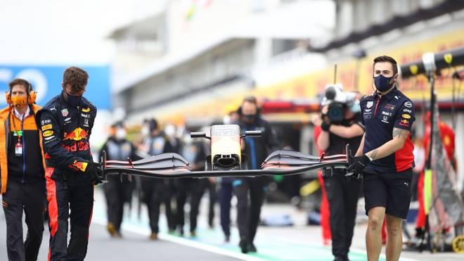 Die Mechaniker von Red Bull reparierten das kaputte Auto innerhalb von 20 Minuten