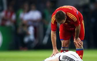 MARCO REUS: Den ersten vermeintlichen WM-Helden erwischt es schon vor dem Turnier in Brasilien. Im abschließenden Testspiel gegen Armenien knickt Marco Reus nach einem Zweikampf kurz vor der Halbzeitpause unglücklich um. Der Dortmunder bleibt mit vom Schm