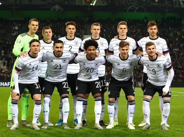Die deutsche Nationalmannschaft hat vorzeitig das Ticket für die EM 2020 gelöst. Das Team von Bundestrainer Joachim Löw besiegte im vorletzten Qualifikationsspiel in Mönchengladbach Weißrussland mit 4:0 (1:0) und kann nicht mehr von einem der ersten beiden Plätze in der Gruppe C verdrängt werden, die zur Teilnahme an der paneuropäischen Endrunde (12. Juni bis 12. Juli) berechtigen