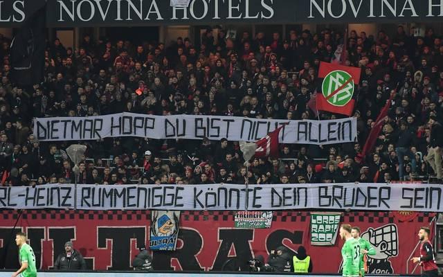 Dietmar Hopp Und Karl Heinz Rummenigge Ultras Mit Banner In Nurnberg