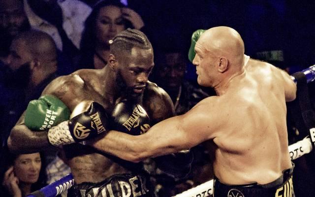 Tyson Fury (r.) ließ Deontay Wilder im Februar 2020 in Las Vegas keine Chance