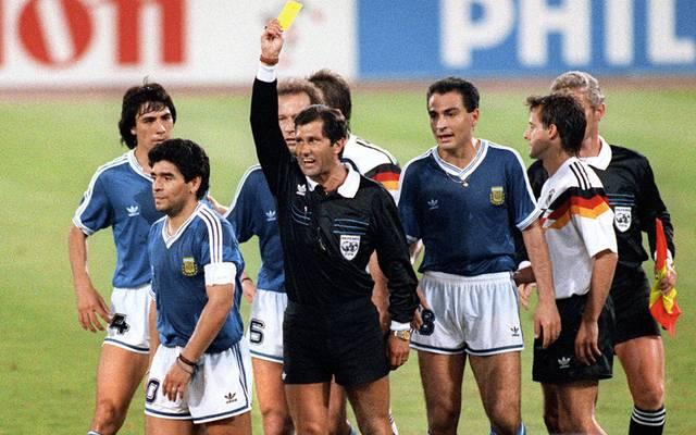 Keine Freunde: Schiesrichter Ernesto Codesal und Diego Maradona