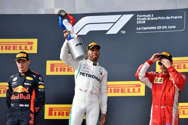 Mercedes-Pilot Lewis Hamilton siegt in Le Castellet, während es sein großer Titelrivale Sebastian Vettel nicht einmal aufs Podium schafft