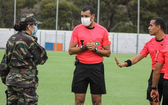 Soldaten der marokkanischen Armee betraten das Spielfeld