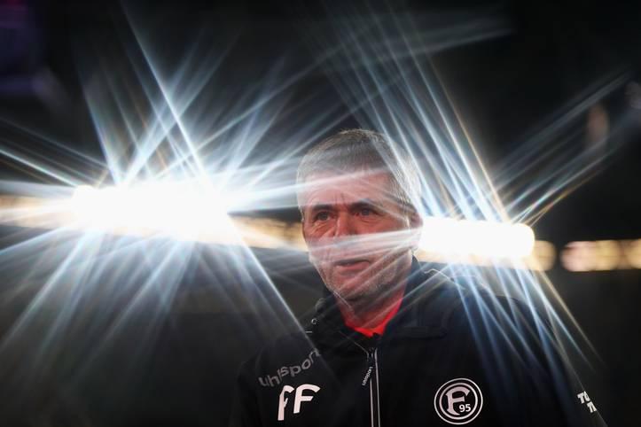 Der Fußball kann seltsame Wege gehen: Während der Winterpause hielt der Wirbel um das vermeintliche Aus von Fortuna-Trainer Friedhelm Funkel nicht nur Düsseldorf in Atem. Doch kaum ist die Winterpause vorbei, ist Düsseldorf der große Gewinner im Abstiegskampf - und vier andere Teams sind große Verlierer