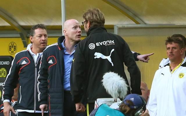 Matthias Sammer (l.) und Jürgen Klopp waren sich im Frühjahr 2013 nicht wirklich grün