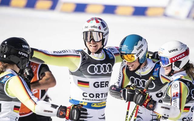 Das deutsche Team bejubelt den Gewinn der Bronze-Medaille