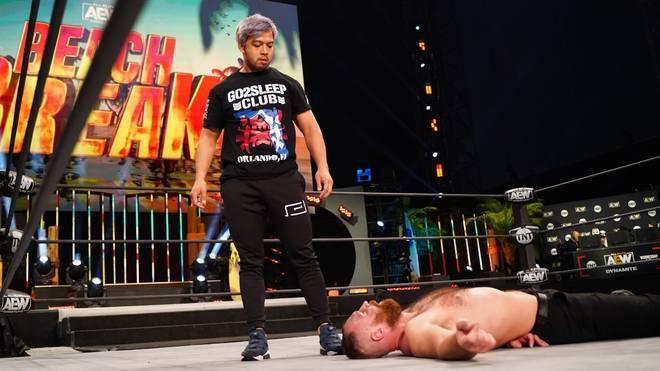 KENTA von NJPW attackierte bei AEW Dynamite Jon Moxley