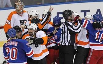 Die NHL und ihre Prügeleien - auch wenn es sich hart anhört, irgendwie gehört das doch zusammen. Kaum ein Spiel vergeht, ohne dass sich nicht mindestens ein Pärchen in die Wolle kriegt. Selbst bei Preseason-Games wie zwischen den Philadelphia Flyers und d