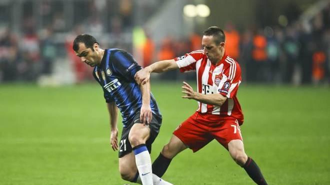 Franck Ribéry (r.) Im Duell mit Goran Pandev
