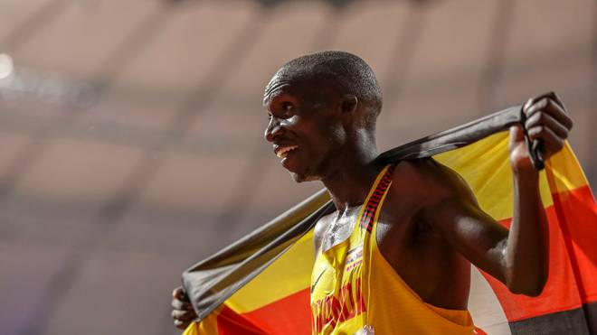 Joshua Cheptegei stellte im 5-km-Straßenlauf einen neuen Weltrekord auf