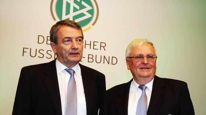 Gegen Wolfgang Niersbach (l.) und Theo Zwanziger (r.) wird im Rahmen des Sommermärchen-Skandals ermittelt