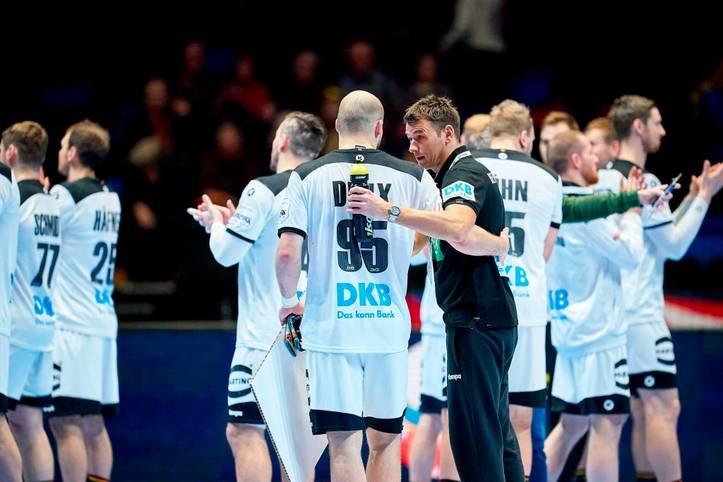Den deutschen Handballern gelingt nach der schwachen Vorrunde gegen Weißrussland ein Befreiungsschlag. Die DHB-Jungs zeigen ein komplett anderes Gesicht - allen voran ein Außenspieler. SPORT1 nimmt die deutschen Spieler in der Einzelkritik unter die Lupe