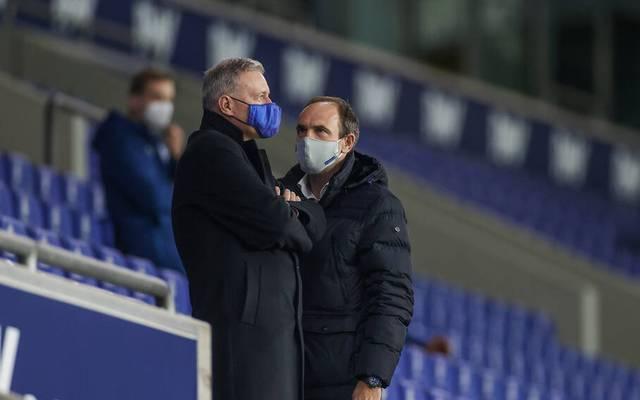Schalker Ultras forderten Marketing-Boss Alexander Jobst (r.) zum Rücktritt auf