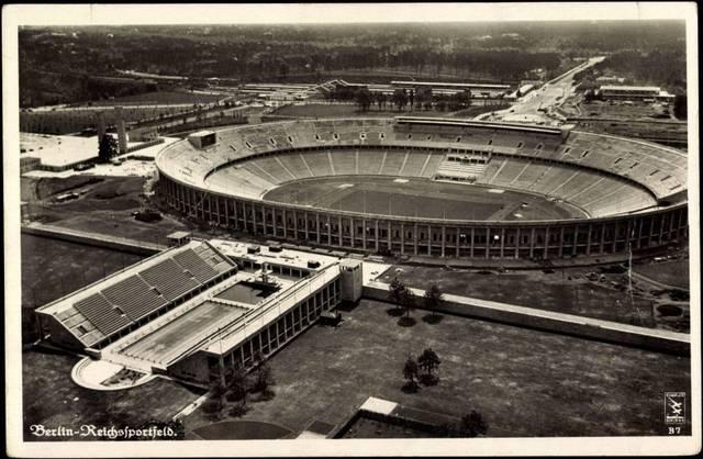 Das Olympiastadion in Berlin wurde 1936 fertiggestellt und Austragungsort von Meisterschafts- und Pokalendspielen