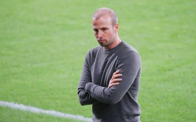 Hoffenheims Trainer Sebastian Hoeneß muss mit seiner Mannschaft am Samstag gegen Stuttgart antreten