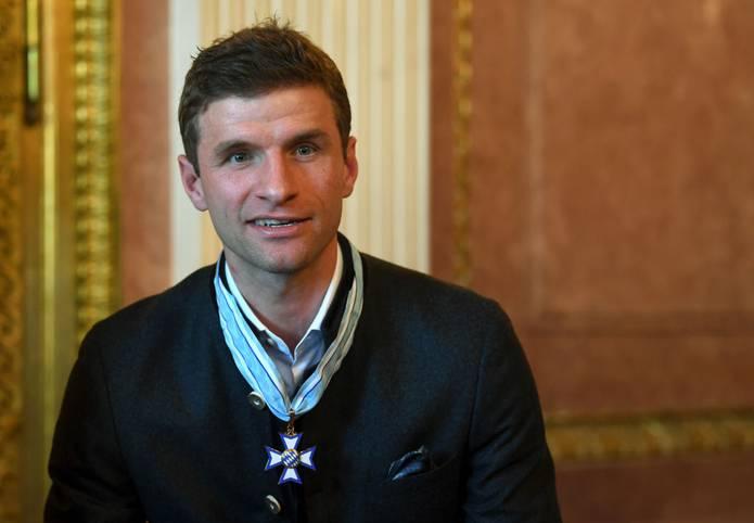 Am Dienstag wurde Thomas Müller mit dem bayerischen Verdienstorden ausgezeichnet. Auch sportlich läuft es beim Weltmeister von 2014 inzwischen wieder. Doch das war 2019 nicht immer so