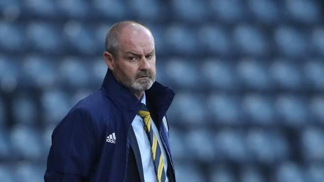 Schottlands Nationaltrainer Steve Clarke muss für das EM-Playoff am Donnerstag in Glasgow gegen Israel umplanen