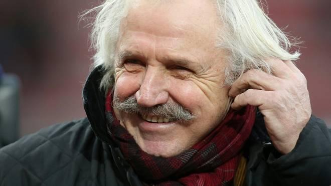 Dragoslav Stepanovic verbreitet Hoffnung zu Ostern