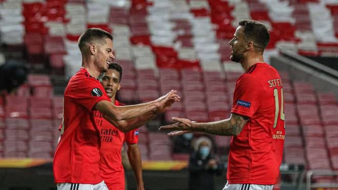 Julian Weigl (l.) erzielte sein erstes Saisontor für Benfica