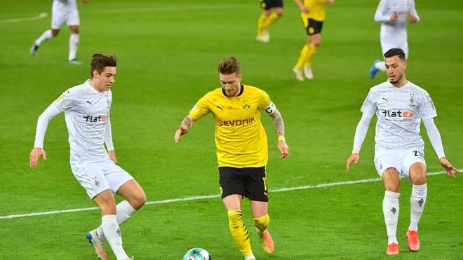 Während Florian Neuhaus (l.) enttäuscht, wusste Ramy Bensebaini beim Pokal-Aus Gladbachs zu überzeugen
