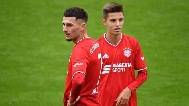 Leon Dajaku (l., mit Tiago Dantas) darf sich künftig wohl bei Union Berlin bewähren