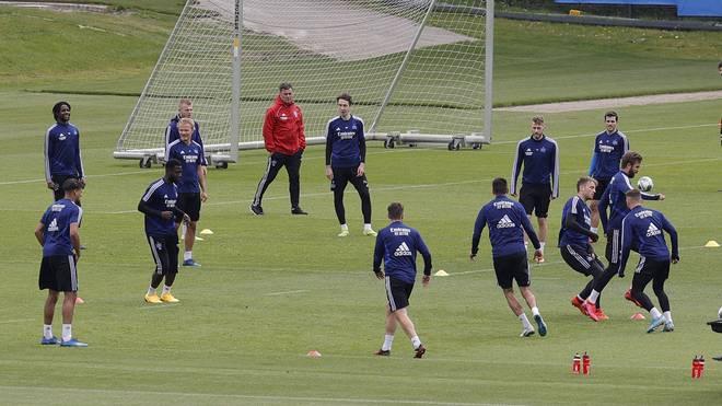 Die Mannschaft des Hamburger SV nimmt den Trainingsbetrieb wieder vollumfänglich auf
