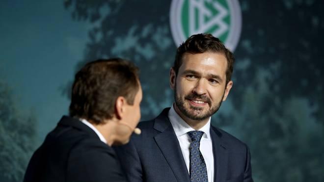 DFB-Generalsekretär Friedrich Curtius verteidigt die Entscheidung, an Joachim Löw festzuhalten