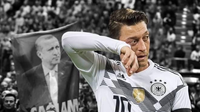 Mesut Özil (r.) ließ sich mit Recep Tayyip Erdogan ablichten