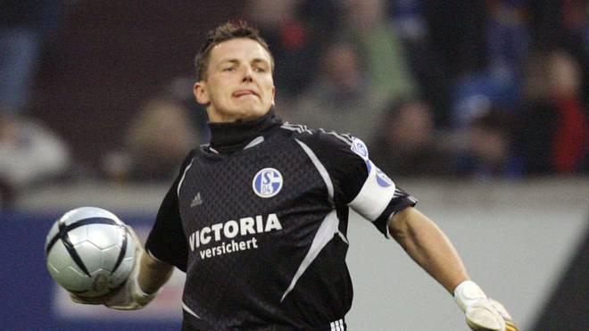 Frank Rost stand in der Bundesliga noch für Werder Bremen und den Hamburger SV im Tor