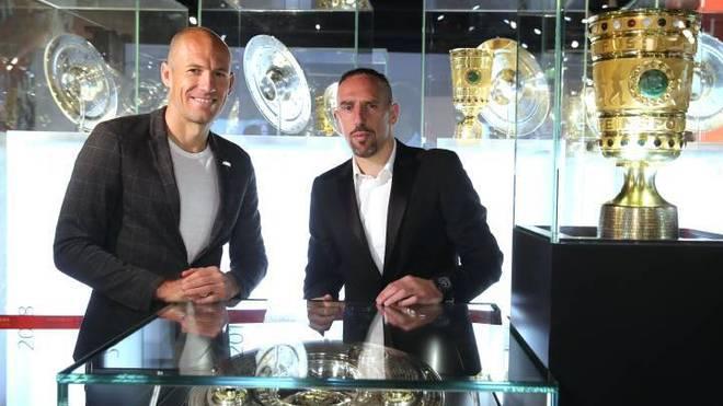 Arjen Robben (l.) und Franck Ribéry feierten zusammen beim FC Bayern München zahlreiche Erfolge