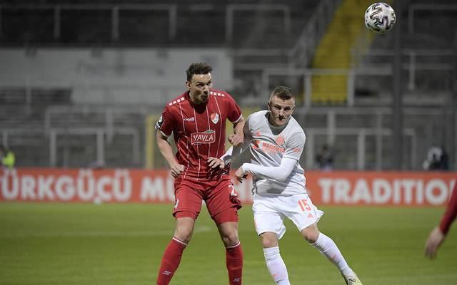 Petar Sliskovic (li.) vergab die größte Chance der Partie